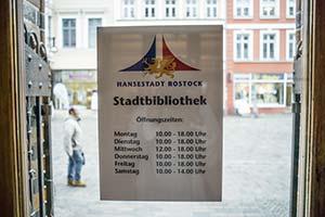 öffnungszeiten Bibliothek Rostock